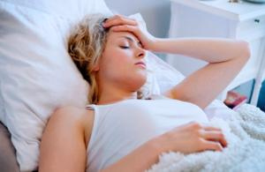 Основными причинами являются постоянный стресс и перенапряжение