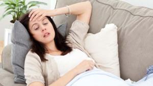 Неблагоприятная окружающая среда и тяжело протекающая беременность могут стать причиной развития болезни у ребенка