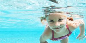 Плавание и нетравматичная гимнастика - самые подходящие виды нагрузок